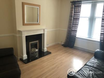 Property to rent in Provost Road, Dundee, DD3 8AG