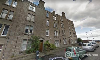 Property to rent in 11 Forest Park Road, Dundee (off Blackness Road-near fire station)