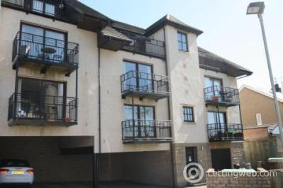 Property to rent in Trinity Court, Blackness Avenue