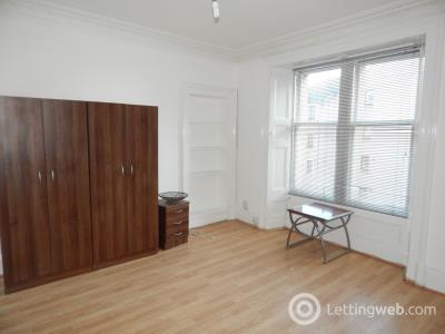 Property to rent in Forest Park Road