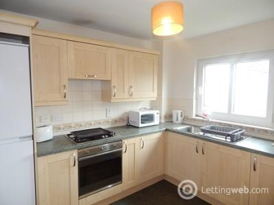 Property to rent in Larch Street