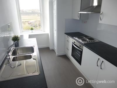 Property to rent in 119a Stirling Street