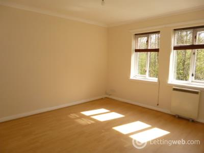 Property to rent in 8 Valley Court, Hamilton