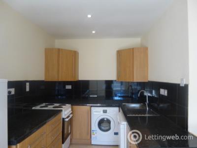 Property to rent in 37 Union Street, Larkhall, ML9 1DZ