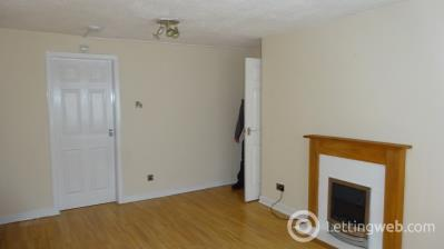 Property to rent in 17 Owen Park