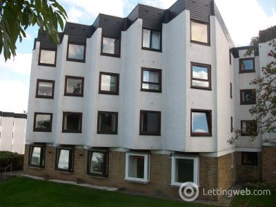 Property to rent in Clyde House, The Furlongs, Hamilton