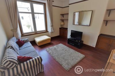 Property to rent in Wallfield Crescent, Rosemount, Aberdeen, AB25 2LB