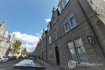 Property to rent in Wallfield Crescent, Rosemount, Aberdeen, AB25 2LB