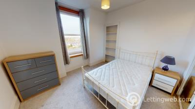 Property to rent in Rosemount Place, Rosemount, Aberdeen, AB25 2XR