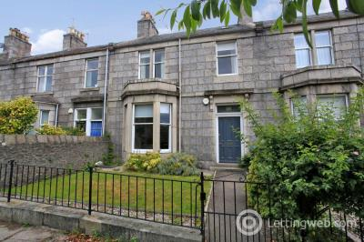Property to rent in Beaconsfield Place, West End, Aberdeen, AB15 4AA