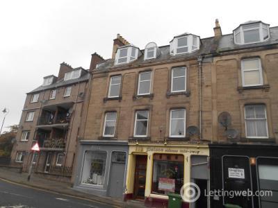 Property to rent in Drumlanrig Square, Top Floor Flat, Hawick , TD9