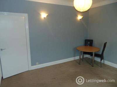 Property to rent in Main Street, Kirkliston