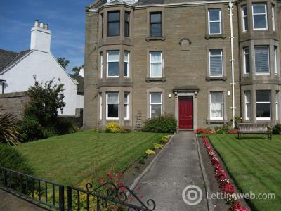 Property to rent in Beach Cresecent