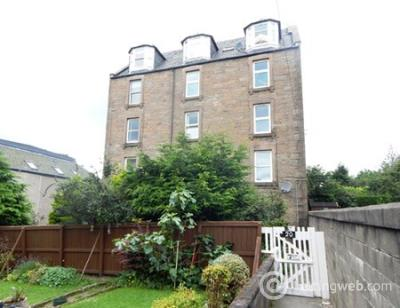 Property to rent in Forfar Road