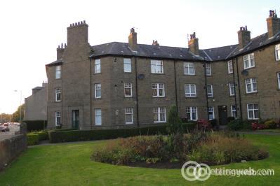 Property to rent in Queen Street Broughty Ferry