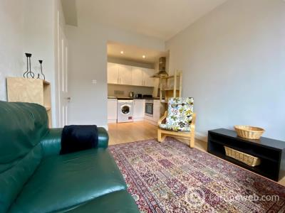 Property to rent in Albion Place, Easter Road, Edinburgh, EH7 5QR