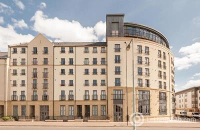 Property to rent in 50/11 Newhaven Place
