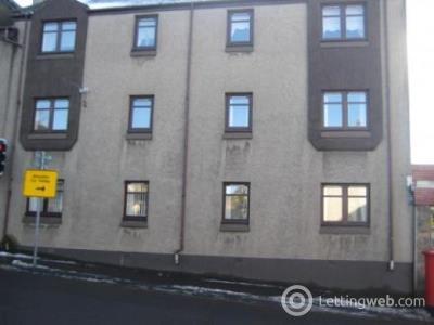 Property to rent in Wellhead Court, Lanark