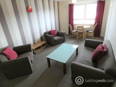 Property to rent in Oldcroft Place, Aberdeen, AB165UJ