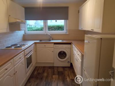 Property to rent in Carrick Court