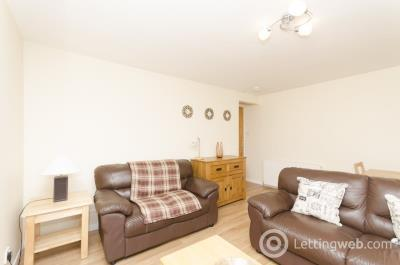 Property to rent in 6 Bethany House