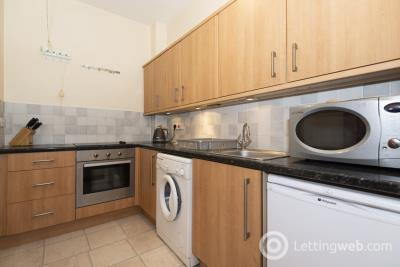 Property to rent in 46 Charlotte Street Flat 17