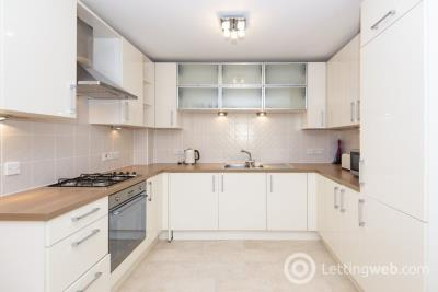 Property to rent in 155 Portland Street