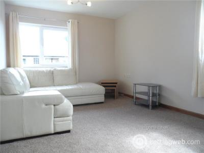 Property to rent in 8 RUTHRIESTON GARDENS