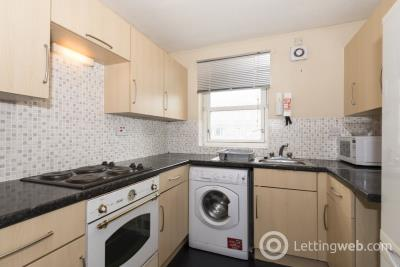 Property to rent in 59 NELSON COURT