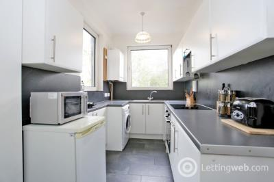 Property to rent in Chattan Place, City Centre, Aberdeen, AB10 6RB