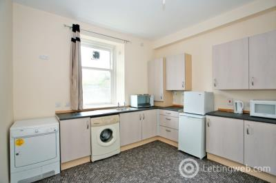 Property to rent in Menzies Road, Torry, Aberdeen, AB11 9AX