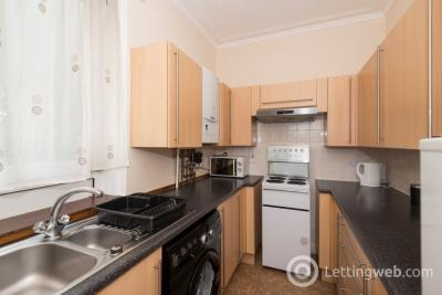 Property to rent in Victoria Road, City Centre, Aberdeen, AB11 9NS