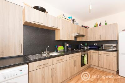 Property to rent in Hillhead Terrace, City Centre, Aberdeen, AB24 3JE