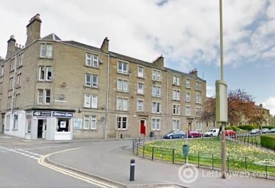 Property to rent in Wedderburn Street