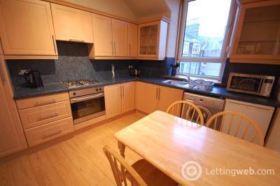 Property to rent in Esslemont Avenue, Aberdeen, AB25 1SR