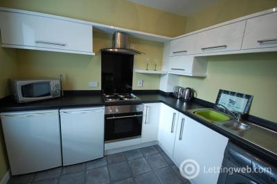 Property to rent in Rennies Court, Aberdeen, AB11 6NZ