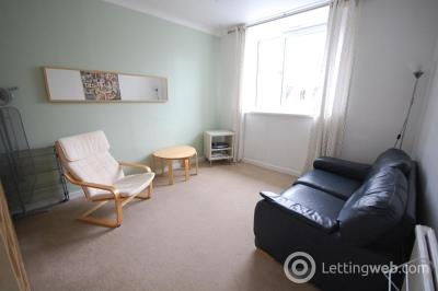 Property to rent in Northfield Place, Top Floor Flat, AB25