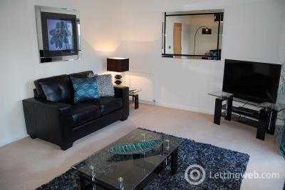 Property to rent in Queens Crescent, Aberdeen, AB15 4AZ