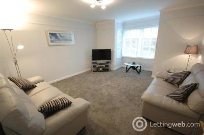 Property to rent in 8 Viewfield Court, Aberdeen, AB15 7AT