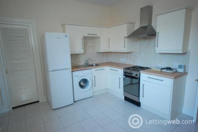 Property to rent in Chestnut Row, First Floor Left, AB25