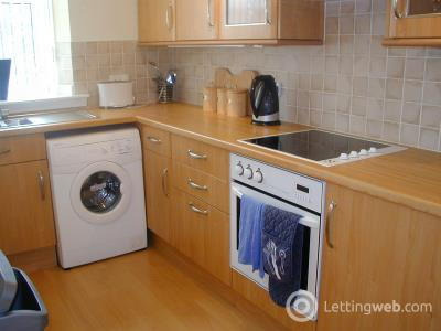 Property to rent in Wallfield Place, Aberdeen, AB25