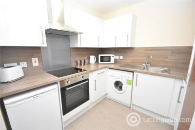Property to rent in St Swithin Street, Aberdeen, AB10