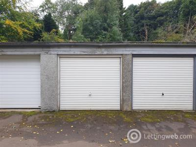 Property to rent in Castleton Drive, Broomcliff Court, Glasgow
