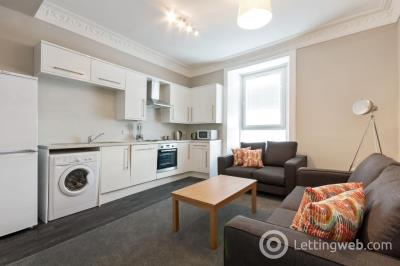 Property to rent in Bell Street, City Centre, Dundee, DD1 1HF