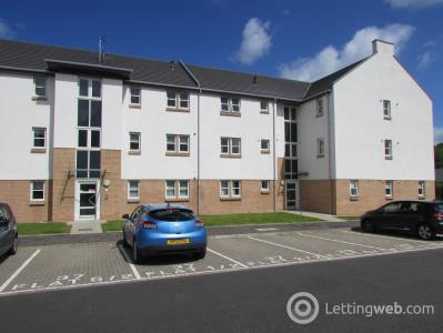 Property to rent in Heather Wynd