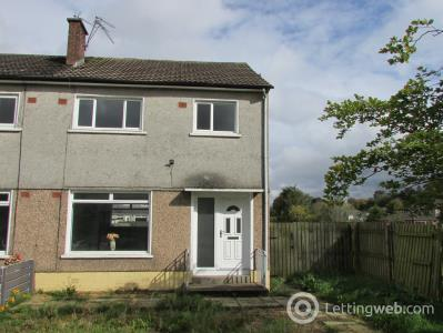 Property to rent in Harvie Avenue