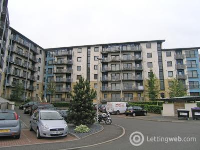 Property to rent in Drybrough Crescent