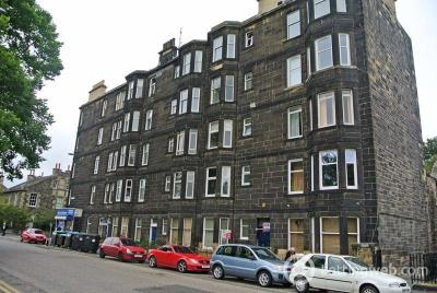 Property to rent in Links Place