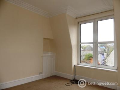 Property to rent in Walker Road