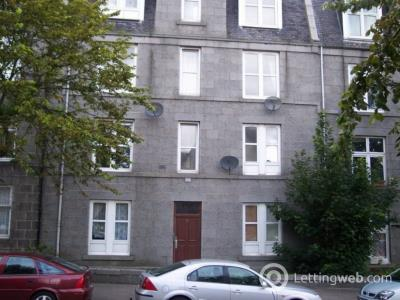 Property to rent in Walker Road